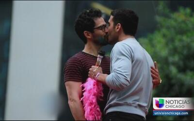 Captan a Poncho Herrera en pleno beso con otro actor
