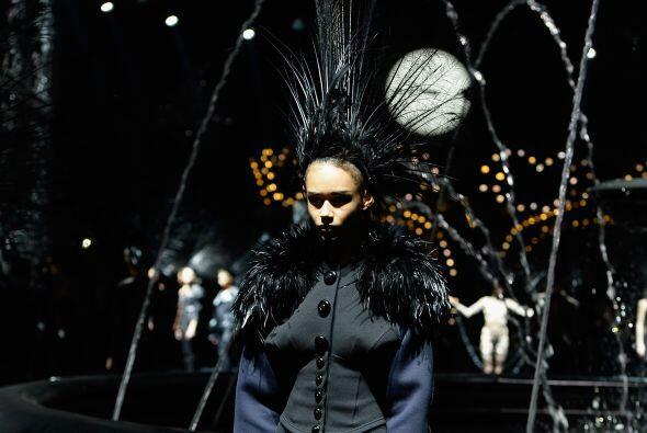 Para Louis Vuitton, en el 20104, la primavera no estará llena de color.