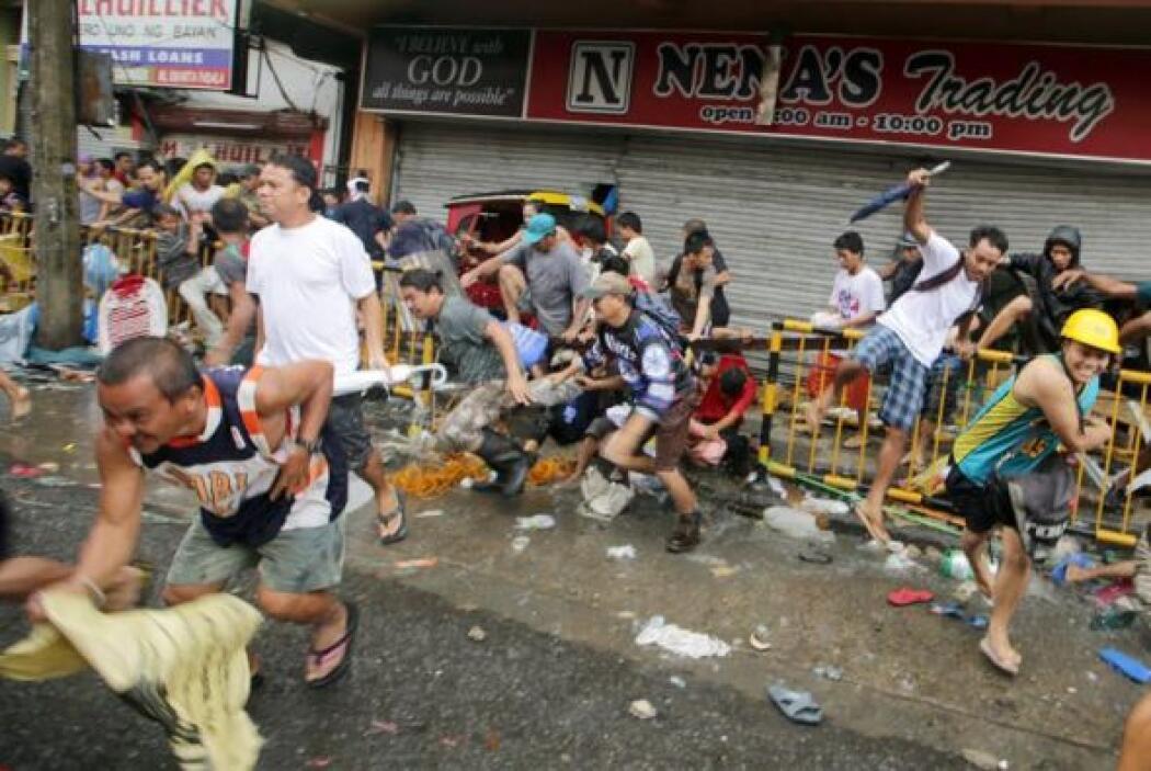 """""""Todo es un caos ahora en Tacloban"""", indicó Mercado en una entrevista te..."""