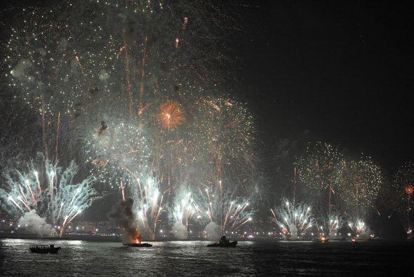 Rio de Janeiro explotó en luces y desbordó de cerveza con unos dos millo...