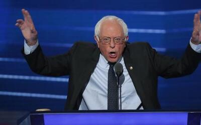 """Sanders: """"Hillary Clinton será una gran presidenta y estoy orgulloso de..."""