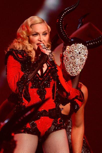 Madonna llegó con toda su sensualidad al escenario.