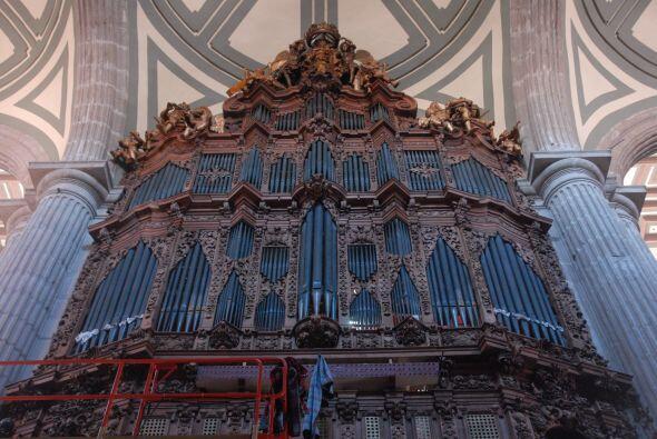 La Catedral cuenta con un órgano que fue construido en 1735 y el cual tu...