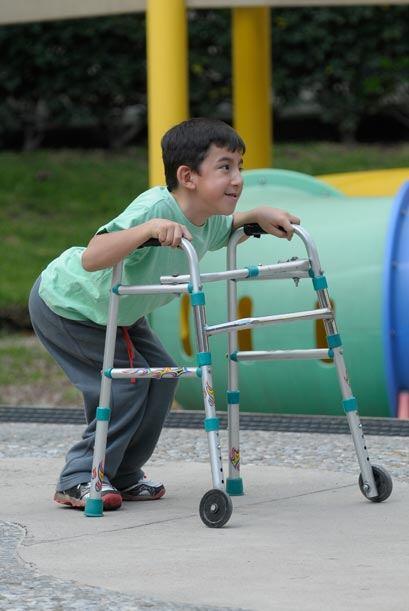 En sus instalaciones tienen juegos para que los niños se diviertan.