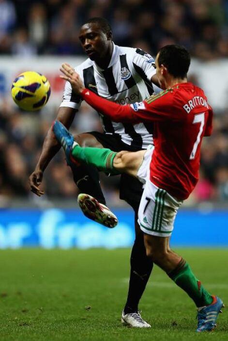 Swansea derrotó 2-0 a Newcastle con goles del español Michu y Jonthan de...