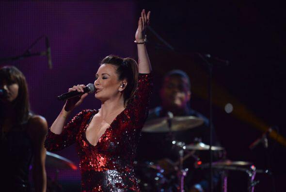 Otra que fue parte del homenaje a Jenni fue la cantante mexicana María J...