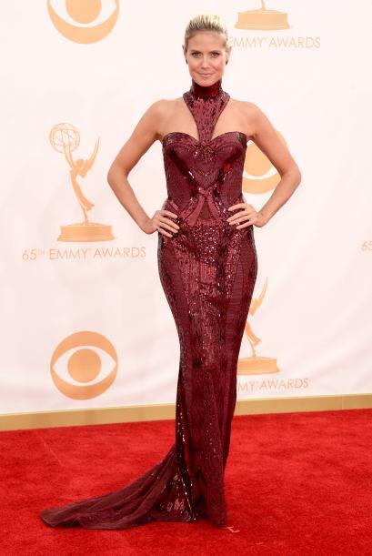 Simplemente maravillosa con una creación de Versace. Heidi Klum e...