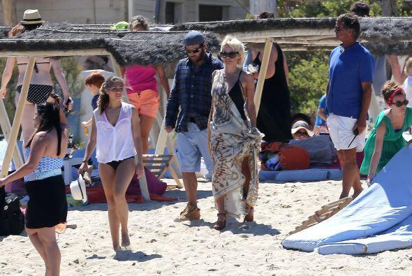 Pamela y Rick de paseo por Saint Tropez. Vota aquí por los nominados a P...