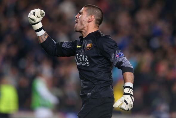 Víctor Valdés se ha comido cinco goles en cuatro partidos...