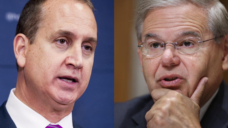 El congresista Mario Díaz-Balart (D-Florida) y el senador Bob Menéndez (...
