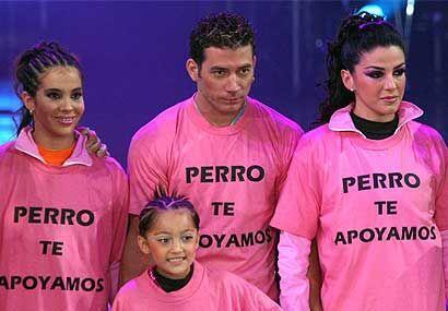 Los integrantes del equipo rosa, solidarios, le demostraron su apoyo. ¡E...