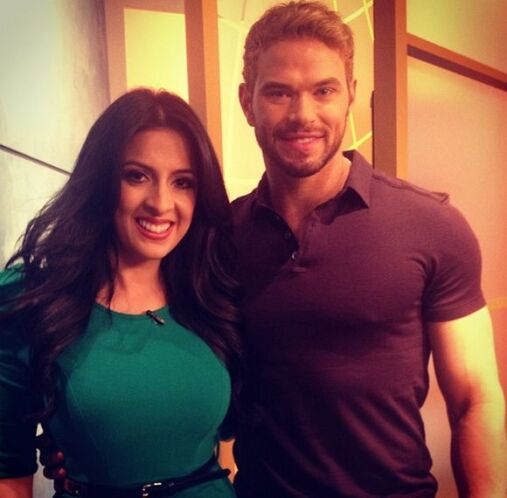 """Starting the week in @DespiertaAmeric with actor @kellanlutz #Hollywood..."