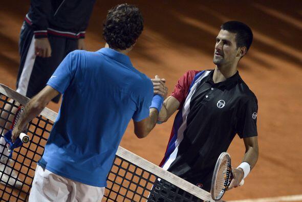 Federer, eliminado de manera sorpresiva y prematuramente en el torneo, d...