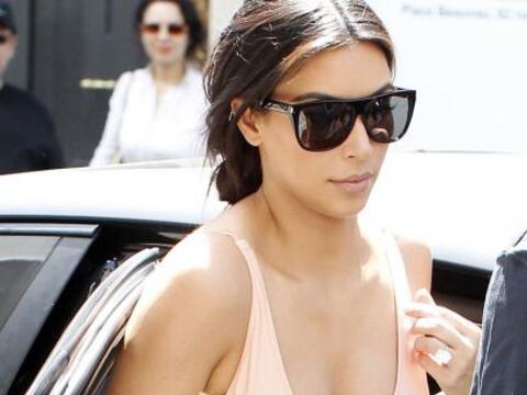 Ohlalá! Así se pasea Kim por París.Mira aquí...