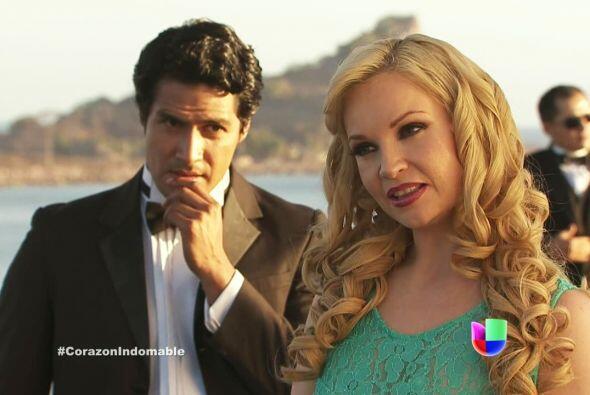 Carola y Tony le dan la bienvenida a María Alejandra.