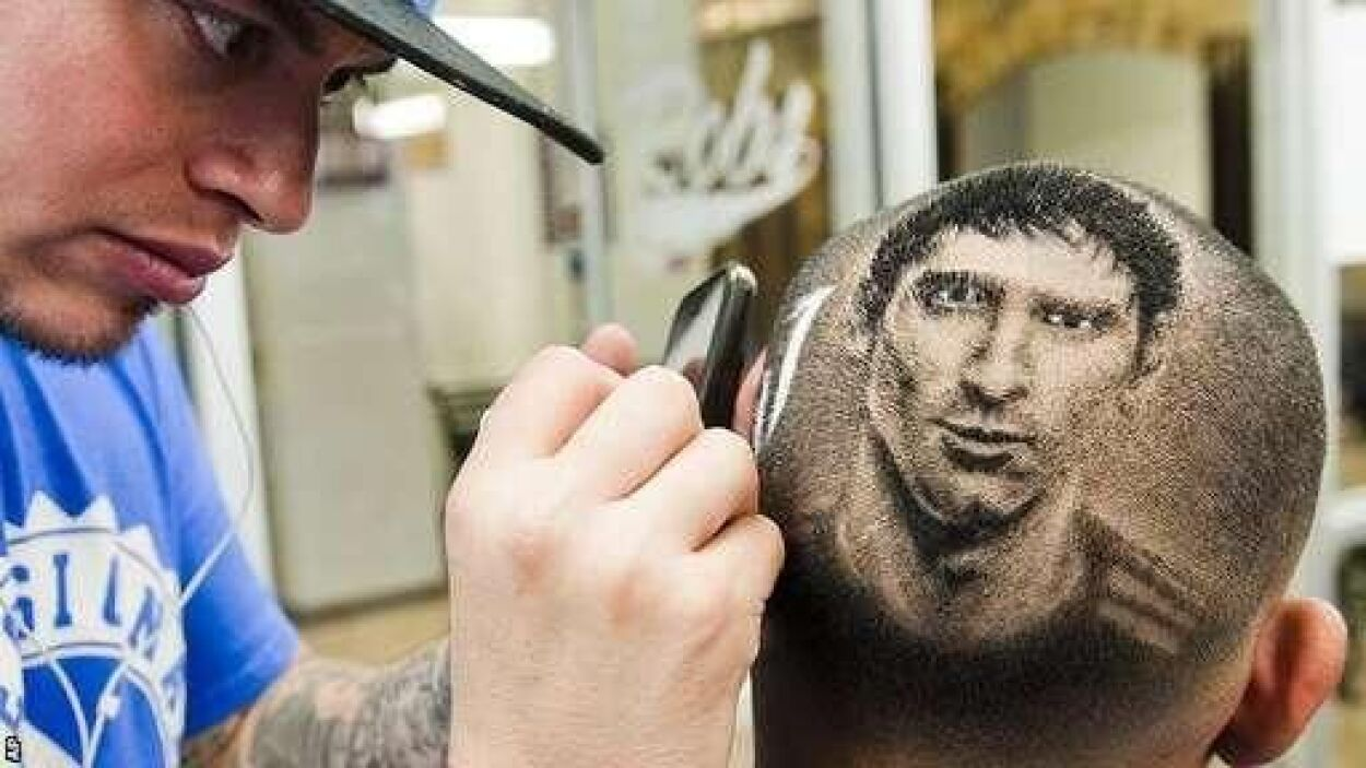 El crack del Barcelona, Lionel Messi, recibió varias críticas por su nue...