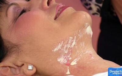 Rejuvenece la piel de tu cuello con esta técnica de belleza
