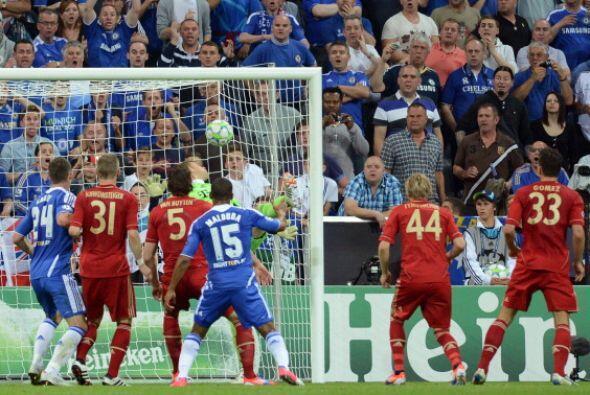 Neuer, que casi no había tenido acción, se vio sorprendido.