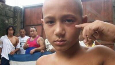 Foto de archivo de un acto de Repudio en Guantánamo a u niño.