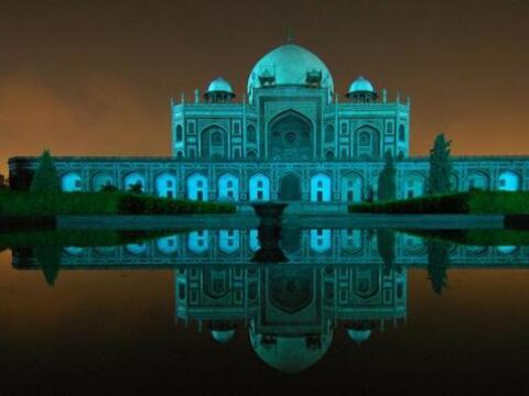 El Taj Mahal, India -El 2 de abril todos los grandes edificios y m...