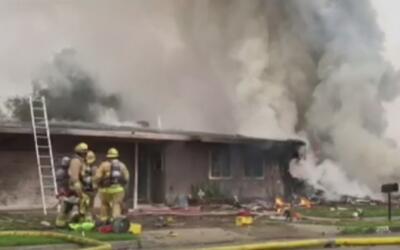Tragedia en Riverside por el desplome de una avioneta sobre varias casas