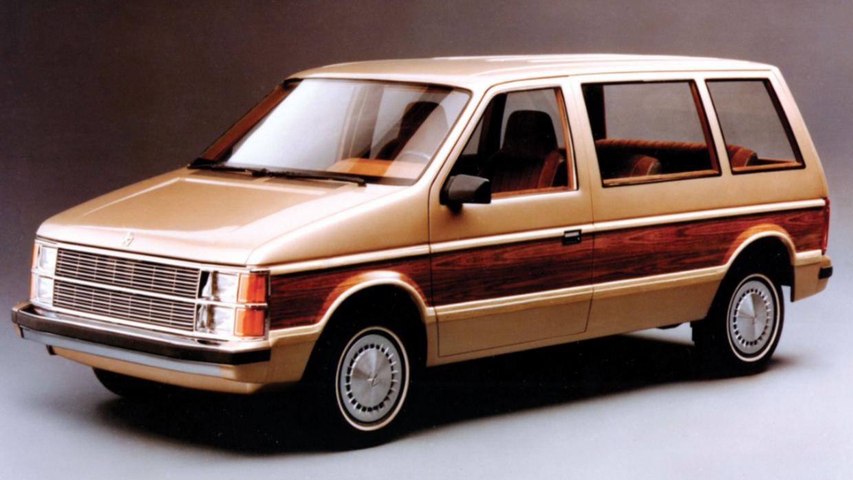 La Dodge Caravan 1984 fue una de las minivan que llegaron en el otoño de...