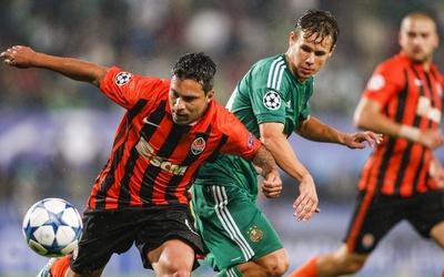 Shakhtar Donetsk ganó por la mínima en Vienna rumo a la Champions.