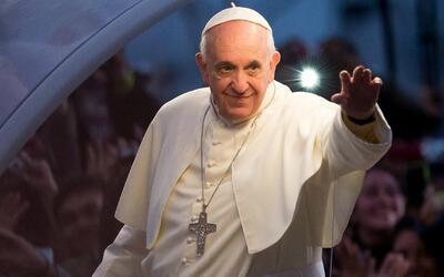 Papa Francisco extiende licencia para que los sacerdotes puedan absolver...