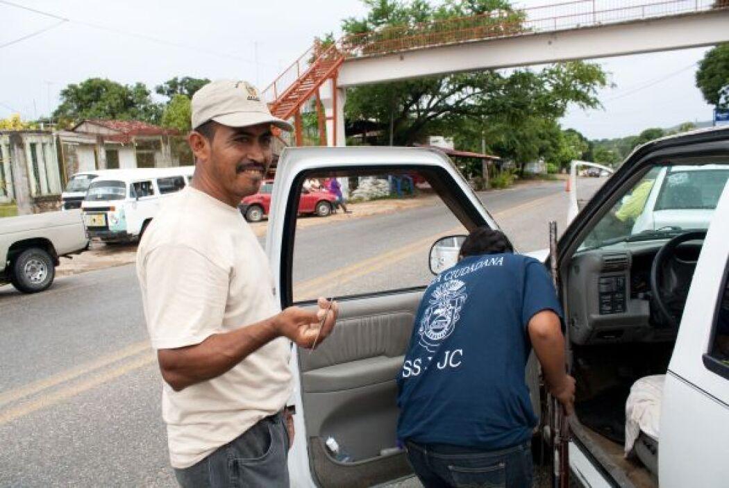 Lo mismo paran un vehículo particular que uno del servicio público. (Fot...