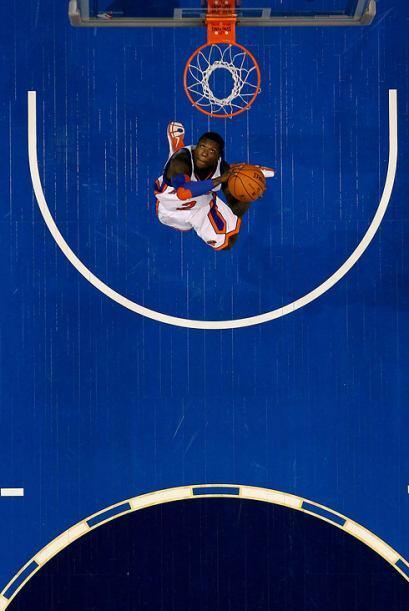 2010 - Nate Robinson, de los Knicks de Nueva York la clava durante el Sp...