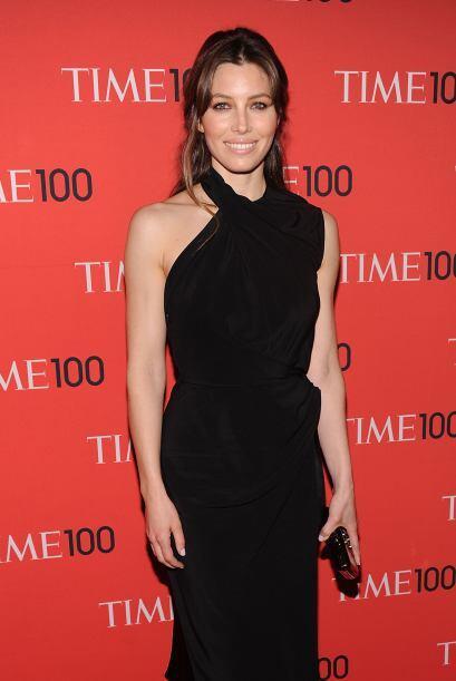 La guapa Jessica Biel se presentó muy elegante enfundada en un ve...