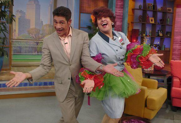 Mientras más bailaban Johnny y Doña Meche, más nos percatábamos de que s...
