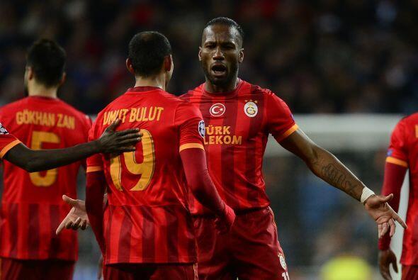 El delantero aprovechó un gran pase de Didier Drogba para poner e...