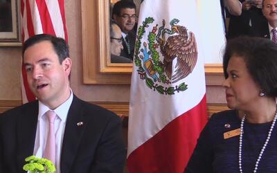Cónsules titulares de México en Texas firmaron un acuerdo para asistir a...