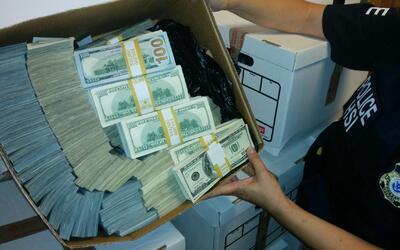 Millones encontrados en 2014 en una mansión  de Beverly Hills que...