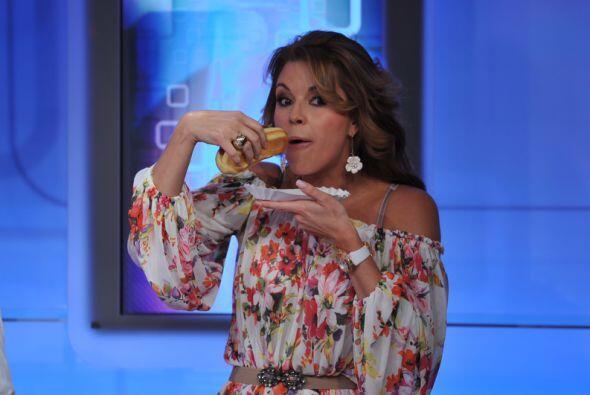 Mira nada más... si la mismísima Alicia Machado no se resiste a los hot-...