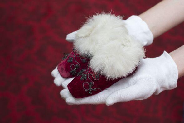 Hasta curiosos zapatos del recién llegado príncipe George.