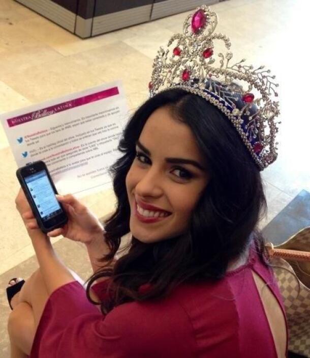 Una de las misiones de la reina es estar activa en las redes sociales.