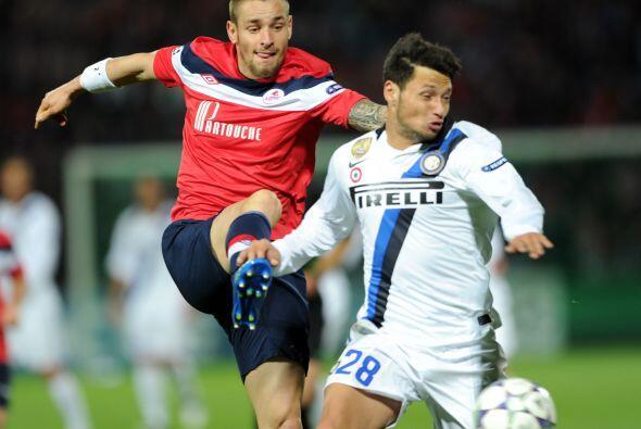 El argentino Mauro Zárate sigue como titular en el conjunto de Mi...