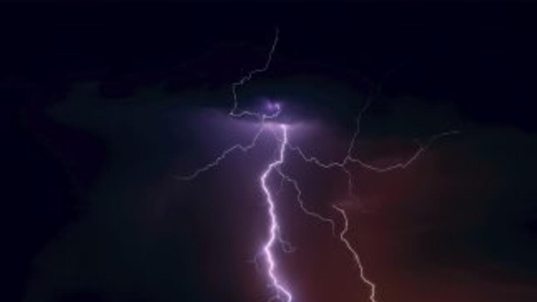 Las playas de Sao Paulo fueron marco de una fuerte tormenta eléctrica qu...