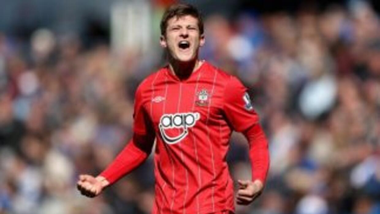 Adam Lallana marcó el segundo ante Reading y Southampton se acercó a la...