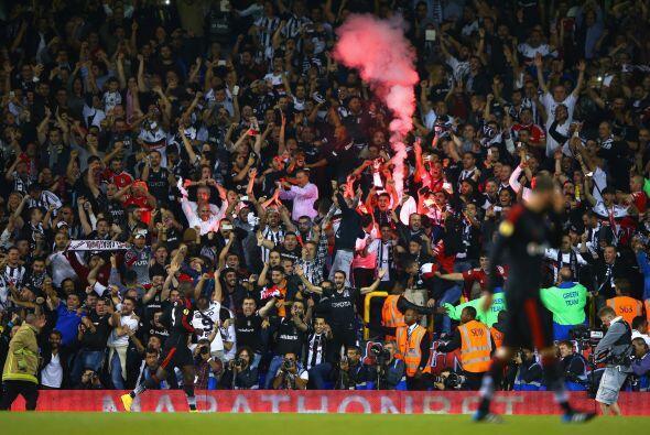 El fútbol es un deporte que mueve a millones de fanáticos...