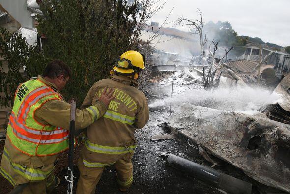 Un incendio en un aparcamiento de autocaravanas destruyó al menos tres v...