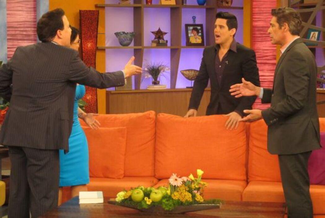 Raúl le explicó que todo era parte de su debut como actriz y le pidió qu...