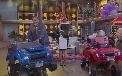 Carlitos 'el productor' le regaló estos carros robots a Raúl por su cump...