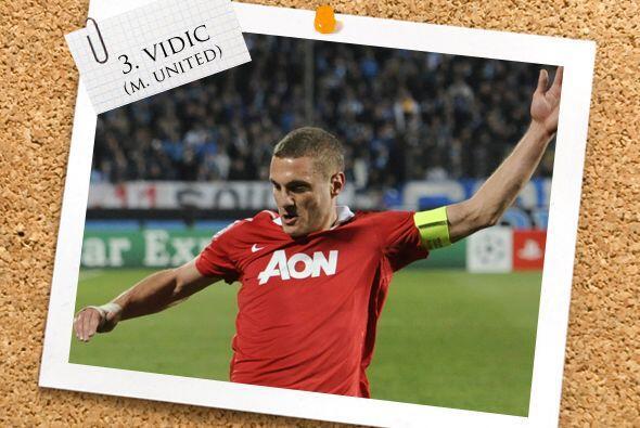 El serbio Nemanja Vidic mostró una gran actuación con el M...