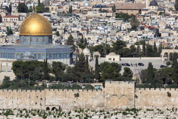 Pidió a judíos, cristianos y musulmanes que abran sus corazones y su men...