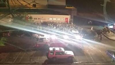 Explosión en escuela de secundaria JFK en el Bronx, Nueva York (imagen d...