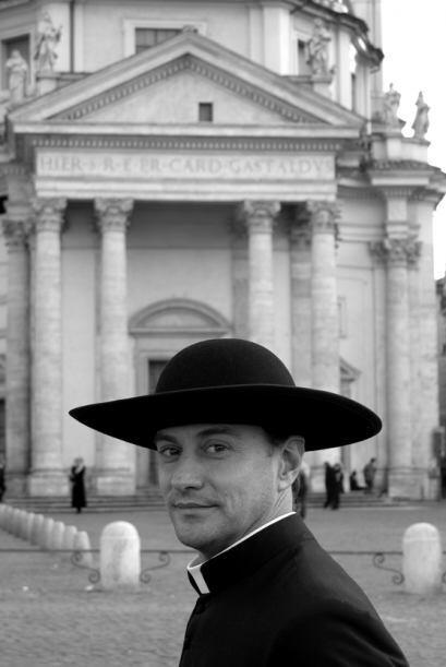 Piero Pazzi es el fotógrafo y creador del calendario romano de jóvenes...