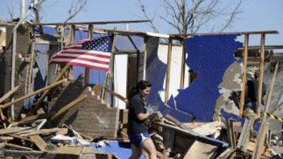 El tornado que asoló un suburbio de Oklahoma City permaneció en tierra d...